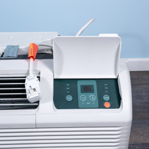 Image 2 of 12k BTU Reworked Gold-rated Midea PTAC Unit with Heat Pump - 208/230V, 20A, NEMA 6-20