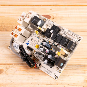 Image 2 of New Gree Control Board Relay For PTAC Units (30132164)