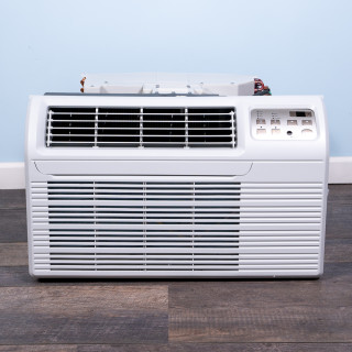 Image of New Gree 12,000 BTU TTW Air Conditioner 230 volt - 20 amp - with Digital Controls and Heat Pump (26TTW12HP230V1A-T)