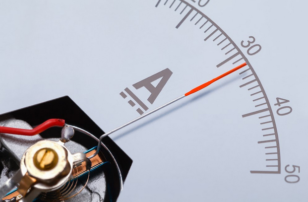 Measuring the amperage of electronics